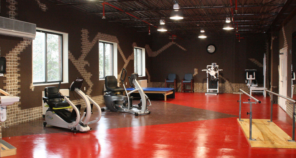 Physical therapy room at Momentum